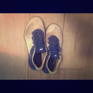 Nike Metcons. Size 9. Good condition.
